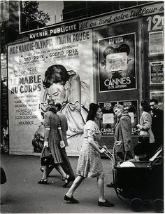 Sur les Grands Boulevards, Paris (Brassaï, 1946)