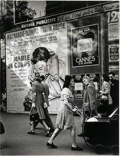 1947 sur les Grands Boulevards.  Photo Brassaï
