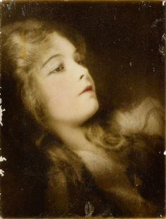 A photograph of Lillian Gish taken by her friend, Nell Dorr