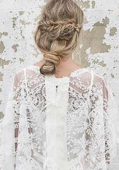 Long Wedding Hairstyles via Vanessa Barney hair / http://www.himisspuff.com/vanessa-barney-wedding-hairstyles/9/