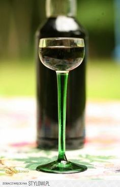 : Magiczna nalewka czarownic składniki: 13 zielony… na Stylowi.pl Liquid Luck, Sugar Free Desserts, Irish Cream, My Favorite Food, White Wine, Spice Things Up, Whisky, Wine Glass, Alcoholic Drinks