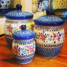 I keep finding more and more Polish Pottery to drool over...love this canister set...I have just the spot for it on my kitchen counter!