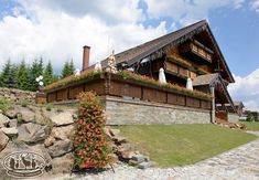 Romania, Countryside, House Plans, Sidewalk, Traditional, House Styles, Cottages, Restaurants, Hotels