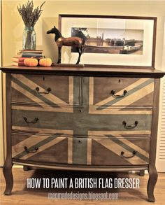 meg made designs: Painting a Union Jack/British Flag on a dresser tutorial. I love the washed-out look; maybe use US flag? Paint Furniture, Furniture Projects, Furniture Makeover, Home Projects, Furniture Design, Acrylic Furniture, Union Jack Dresser, Union Jack Decor, Make Design