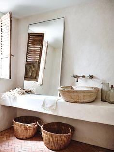 Bathroom Decor Farmhouse into Rustic Bathroom Designs On A Budget Rustic Bathroom Designs, Modern Farmhouse Bathroom, Boho Bathroom, Rustic Bathrooms, Bathroom Interior, Small Bathroom, Natural Bathroom, Bathroom Ideas, Earthy Bathroom