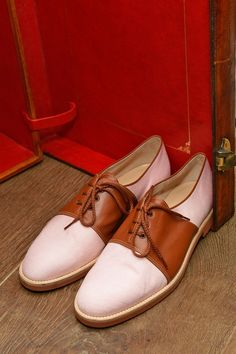 Stylish Shoes for Spring - Manolo Blahnik Shoes Oxford Shoes Outfit, Dress Shoes, Zapatos Manolo Blahnik, Shoes 2014, Pretty Designs, Beautiful Shoes, Summer Shoes, Loafers Men, Boat Shoes