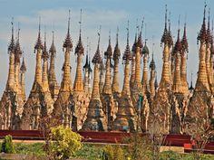 Le site bouddhiste de Kakku qui compte plus de 2478 Stupas du XVI et du XVIII ème siècles - Lac Inlé, Birmanie