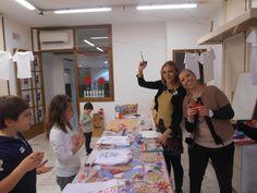 A lavoro con Caterina di Rollo  Moda&Fantasia - laboratorio artistico per bambini - Boutique Anna Meglio