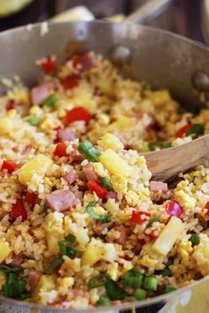 Fried rice that is loaded with sweet pineapple, ham and veggies that is so much better than take out! Hawaiian Fried Rice, Hawaiian Salad, Leftover Ham Recipes, Leftovers Recipes, Dinner Recipes, Dinner Ideas, Pork Recipes, Asian Recipes, Cooking Recipes
