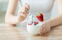 the most health benefits of yogurt probiotics. These healthy bacteria help promote a healthy gut. Eat yogurt and get healthy Probiotic Foods, Fermented Foods, Diet And Nutrition, Muscle Nutrition, Nutrition Classes, Most Filling Foods, Yogurt Benefits, Healthy Yogurt, Healthy Foods
