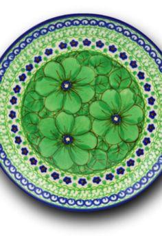 This Polish pottery plate is made by Ceramika Artystyczna factory in Boleslawiec, Poland.
