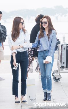 Snsd Jessica Jung f(x) Krystal Jung airport fashion style