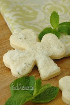 Minted Shamrock Sugar Cookies from Simply Suzanne's are the perfect St. Patrick's Day treat!