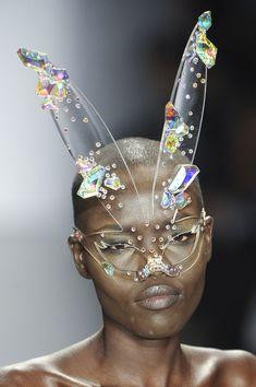 Bunny Glasses~umm No❗️ Estilo Kitsch, Model Tips, Lunette Style, Post Apocalyptic Fashion, Look Fashion, Fashion Design, Fashion Outfits, Womens Fashion, Fancy