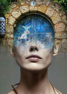 Blue door - Antonio Mora.