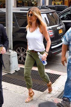 d3dfcf373574 Jennifer Aniston Knew These Were the Shoes of Summer