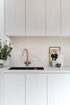 Modern Home Decor Renotech the palm co.Modern Home Decor Renotech the palm co. Kitchen Room Design, Modern Kitchen Design, Home Decor Kitchen, Kitchen Interior, Home Kitchens, Kitchen Furniture, Interior Desing, Interior Modern, Interior Ideas