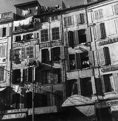 Marseille, le vieux port. Photographie René Zuber. French Photographers, Painting, Marseille, Photography, Basket, Painting Art, Paintings, Painted Canvas, Drawings