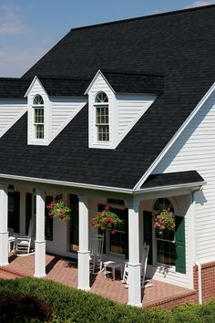 This black roof is the perfect farmhouse roof! These black owens corning shingles are in stock at Genesee Lumber! Roof Shingle Colors, Roof Colors, House Colors, Owens Corning Shingles, Roof Design, House Design, Dune, Diy Roofing, Roofing Options