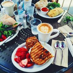 keep calm and brunch
