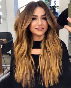 Most Admired Golden Blonde Long Layered Hairstyles for Women to Look Significantly Beautiful Easy Hairstyles For Long Hair, Modern Hairstyles, Hairstyles Haircuts, Layered Hairstyles, Silver Purple Hair, Hair Color Purple, Purple Hair Highlights, Hair Color Balayage, Haircolor