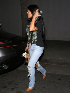 Kourtney Kardashian Photos Photos - TV personality Kourtney Kardashian is seen dining out with actor Quincy Brown at a restaurant in West Hollywood, California on April 5, 2017. - Kourtney Kardashian Dines Out With Quincy Brown