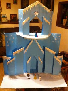I made my great niece shaylee  an ice castle for her 2 nd birthday. Will be adding a cake in front of it next. Frozen castle.