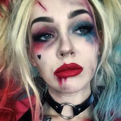 Einfaches Halloween-Make-up - Harley Quinn, Suicide Squad-CosmopolitanUK Makeup - makeup products - Cute Halloween Makeup, Halloween Makeup Looks, Halloween Halloween, Creepy Halloween Costumes, Halloween Inspo, Harley Quinn Halloween Costume, Scarecrow Makeup, Halloween Office, Halloween Clothes