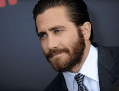 Growing a Ducktail beard is not easy for all, but simple for few. Here are 6 Reasons Why you Should Opt for Ducktail Beard Look. Jake Gyllenhaal, Full Hd Background, Bart Trend, Growing A Full Beard, Round Face Men, Beard Growth Kit, Stubble Beard, Men Beard, Mens Facial