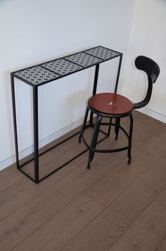bureaux consoles and tables on pinterest. Black Bedroom Furniture Sets. Home Design Ideas