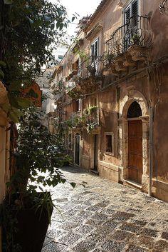 Siracusa, Sicily (Luke Robinson)