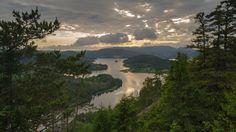 Sveriges vackraste natur finns i Höga kusten i Ångermanland, enligt en ny omröstning. Places Ive Been, Places To Go, Korat, Lappland, Countryside, The Good Place, Road Trip, Nature, Travel