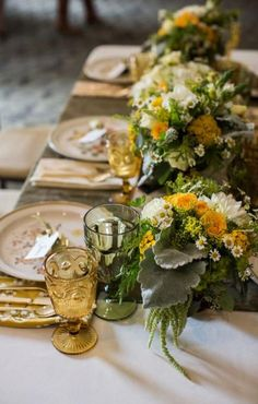 33 Ideas For Wedding Flowers Yellow Green Color Inspiration - Table Settings Yellow Wedding Flowers, Wedding Colors, The Victorian Santa Monica, Olive Green Weddings, Light Yellow Weddings, Yellow Table, Gold Table, Wedding Inspiration, Wedding Ideas
