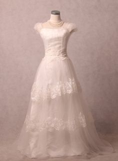 Custom make Vintage A Line Wedding Dress Bridal Gown by wonderxue, $285.00