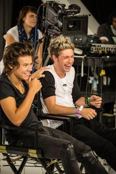 narry at its best One Direction Pictures, I Love One Direction, Direction Quotes, Niall Und Harry, Harry Styles Photos, Best Friendship, Family Show, Star Wars, 1d And 5sos