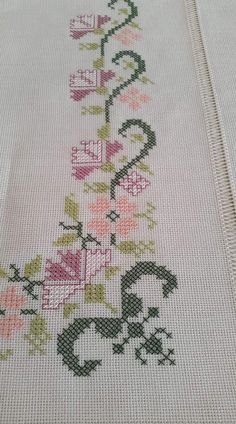 Seccade Modelleri – – Source by seccadeler Cross Stitch Borders, Cross Stitch Designs, Cross Stitch Patterns, Hand Embroidery Videos, Embroidery Patterns, Palestinian Embroidery, Easy Sewing Projects, Loom Patterns, Cross Stitch Embroidery