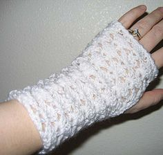 Lacy Fingerless Gloves - Crochet Me-free pattern