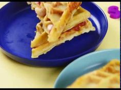Les recettes d'aucy - Gaufres salées #InfoWebAgro Cookies Et Biscuits, Waffles, Breakfast, Food, Savory Waffles, Lap Tray, Morning Coffee, Essen, Waffle