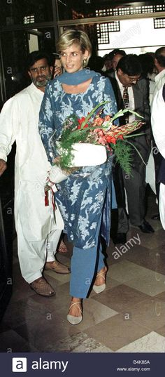 Princess Diana in Lahore Pakistan on charity mission to raise funds for Imran Khans Shaukat Khanum Cancer Hospital February 1997