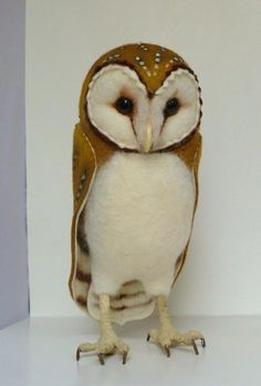 Owl-Love the way the felt edges are used in the design.