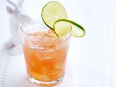 Unser beliebtes Rezept für Aperol mit Grapefuitsaft, Limettensaft und braunem Zucker und mehr als 55.000 weitere kostenlose Rezepte auf LECKER.de.