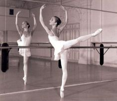 i would love to learn to do that and i a in ballet and i am in a  begeners class do that drea goes bye bye