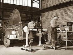 "An unsourced image of an old vehicle repair shop from the blog ""My 1928 Chevrolet""."