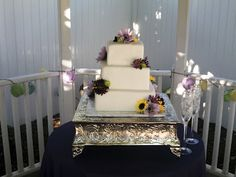 wedding cakes, 3 tier cakes, specialty cakes, square cakes, fresh flowers, http://tiered-expressions.com