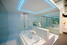 Corner Bathtub, Bad, Bathroom, Washroom, Full Bath, Bath, Bathrooms, Corner Tub