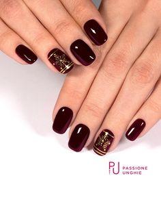 30 ideas which nail polish to choose - My Nails Shellac Nail Polish, Metallic Nail Polish, Polygel Nails, Gel Acrylic Nails, Get Nails, Fancy Nails, Marron Nails, Burgundy Nail Art, Nail Mania