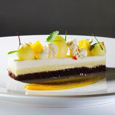 Chocolate , passion fruit and coconut bar by Antonio Bachour Gourmet Desserts, Plated Desserts, Just Desserts, Dessert Recipes, Dessert Ideas, Dessert Platter, Food Tech, Small Cake, French Pastries