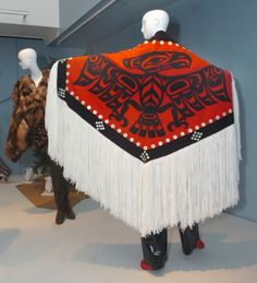 Iris Apfel at the PEM  photo by Patrick Whittemore  A Native American firebird shawl is pictured.