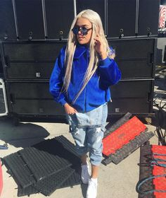 LA, KAROL G IS HERE Hip Hop Outfits, Hipster Outfits, Cute Outfits, Girl G, Urban Fashion, Womens Fashion, Latina Girls, Latin Music, Outfit Goals