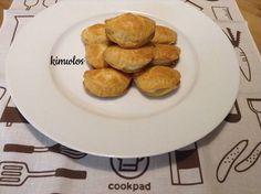 Ζύμη κουρού με ελαιόλαδο - Τυροπιτάκια Muffin, Cupcakes, Bread, Breakfast, Food, Morning Coffee, Cupcake Cakes, Brot, Essen